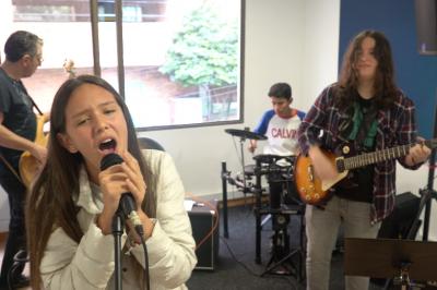ensamble ensayando en TUTEMPO academia musical